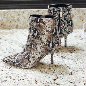 TONY BIANCO Elia Natural Snake Boot